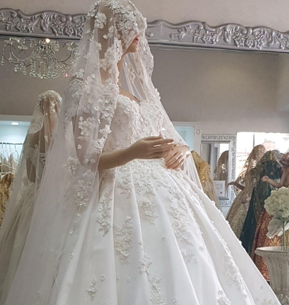 Orientalische Brautkleider - Braut Lounge Wiesbaden